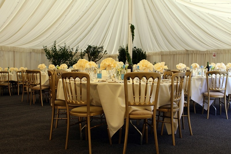Everything You Need To Know About Buying Tablecloths